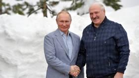 Утверждение Лукашенко о том, что у Беларуси «нет друзей», не относится к России, поскольку эти две страны связаны братскими узами, считает Кремль.